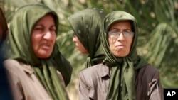 이라크 바그다드에 위치한 리버티 난민 캠프 내 무자헤딘 에-칼리크 소속원들