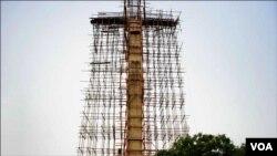 صلیب کی دورانِ تعمیر لی گئی ایک تصویر