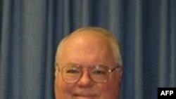 Ông Chris Oynes loan báo quyết định nghỉ hưu hôm ngày thứ Hai