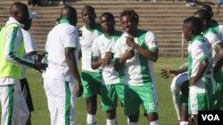Bathabe okumangalisayo abadlali beqembu leCaps United.