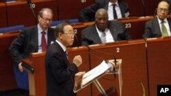 8일 프랑스에서 열린 세계민주주의포럼에서 연설하는 반기문 유엔 사무총장.