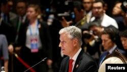 白宫国家安全顾问罗伯特·奥布莱恩2019年11月4日在泰国曼谷举行的东盟-美国峰会上讲话。