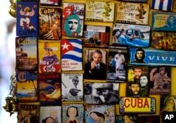Những tấm dán tủ lạnh với hình Tổng thống Obama được bán ở quầy lưu niệm dành cho du khách ở Havana, Cuba, ngày 14/3/2016.