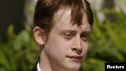 Macaulay Culkin anunció que abandonaba la actuación a los 14 años. Su más reciente papel se remonta a 2007 en la película Sex and Breakfast.