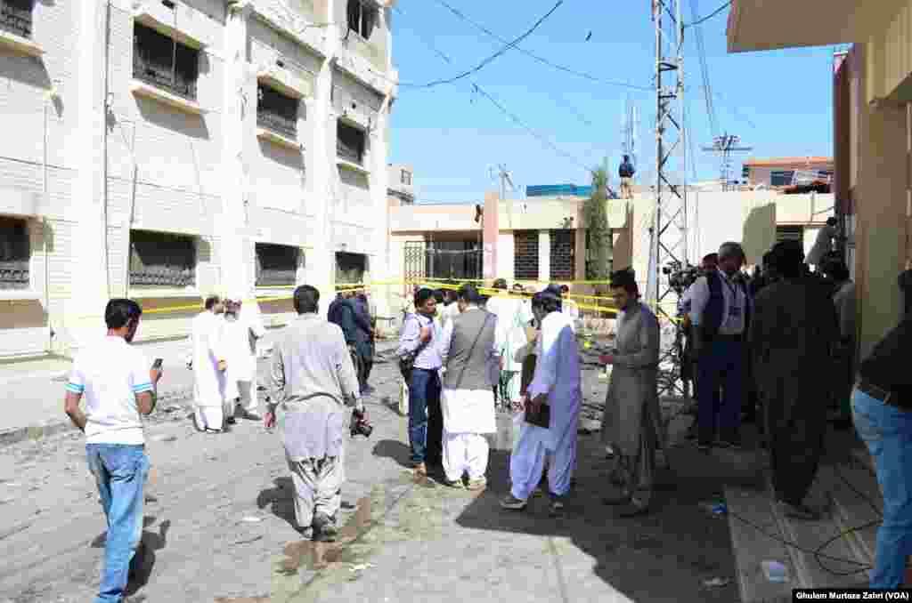 کوئٹہ میں پیر کی صبح ہونے والے بم دھماکے میں ہلاکتوں کی تعداد 70 ہو گئی ہے۔