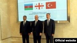 Azərbaycan, Türkiyə və Gürcüstan müdafiə nazirləri regional layihələrin təhlükəsizliyini müzakirə edib