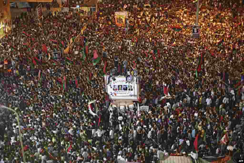 Бенгази 21 августа 2011г. AP