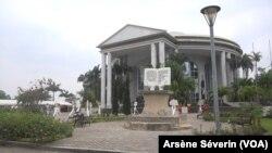 Un mémorial pour le colonisateur à Brazzaville, le 3 octobre 2020 (VOA/Arsène Séverin).