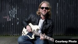 Devon Allman (Photo by Richard Ecclestone)