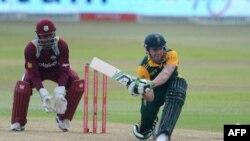 دو بازیکن دیگر افریقای جنوبی نیز در عین رقابت هر یک ۱۰۰ - ۱۰۰ امتیاز کمایی کردند
