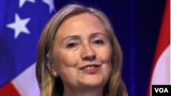 Clinton dijo que para su gobierno fortalecer las relaciones con los países asiáticos es una prioridad.