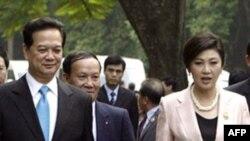 Thủ tướng Thái Lan thăm Việt Nam