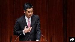 梁振英於2013年1月16日在立法會就未來五年政策報告(資料照片)
