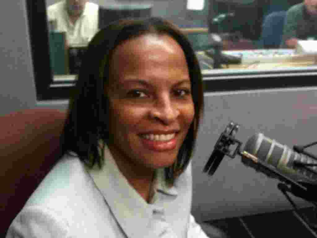 Esta periodista de la Voz de América transmite para el servicio Creole en Haití, una nación en donde el gobierno tiene un largo registro de encuentros violentos con la prensa.