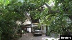 2012年6月21日拍摄的法国建筑师德维莱尔在金边的住宅