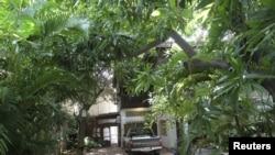 Căn nhà của kiến trúc sư Pháp Patrick Henri Devillers ở Phnom Penh, 21/6/2012