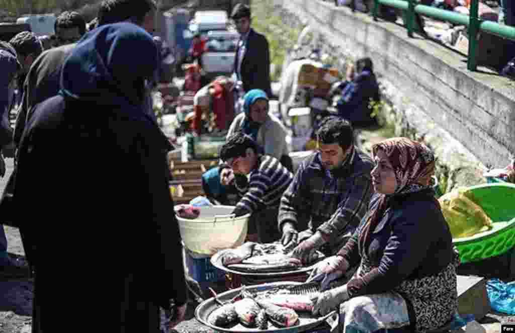 ماهی سفید شب عید در بازار جویبار