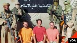 Para sandera Eropa yang disandera oleh kelompok Al Qaida cabang Afrika utara atau AQIM (foto: dok).