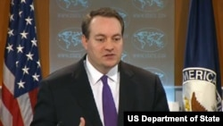 美国国务院发言人文特雷尔在日常新闻发布会上讲话