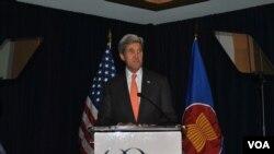លោកមន្រ្តីការបរទេសសហរដ្ឋអាមេរិក John Kerry បានថ្លែងថា សេចក្តីសម្រេចរវាងសហរដ្ឋអាមេរិក និងចិន គឺជា«សេចក្តីសម្រេចជាប្រវត្តិសាស្រ្តមួយ»នៅក្នុងការប្រយុទ្ធទប់ទល់នឹងការឡើងកំដៅក្នុងសកលលោក។