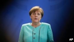 德國總理默克爾上週五為英國脫歐發表評論。