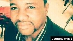 uMnu. Elvis Ndebele, owasungula inhlanganiso yeTsholotsho Mobile Library