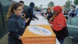 Мешканка Детройта покинула престижну роботу і почала годувати бідних. Відео