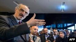 Đại sứ Syria tại LHQ kiêm Trưởng phái đoàn chính phủ Bashar al-Jaafari tổ chức một cuộc họp báo trong quá trình diễn ra các cuộc đàm phán hòa bình Syria tại Geneva, ngày 31 tháng 1 năm 2016.
