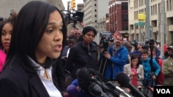 Maryland State's Attorney Marilyn Mosby announces charges against Baltimore police officers in connection with the death of Freddie Gray, in Baltimore, May 1, 2015. (Photo: V. Macchi / VOA)