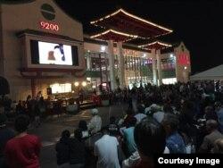 Ca nhạc tại chợ đêm (ảnh Bùi Văn Phú)