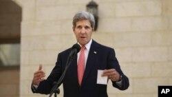 په تیرو څو ورځو کې د امریکا د بهرنیو چارو وزیر جان کېري د فلسطیني او اسراییلي چارواکو سره لیدلي دي