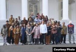 Presiden Jokowi bertemu dengan sejumlah tokoh, salah satunya membahas UU KPK. (Foto: presidenri.go.id)
