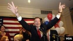 Uno de los nuevos congresistas es el republicano por Nueva York, Chris Gibson, un ex coronel del ejército de Estados Unidos.