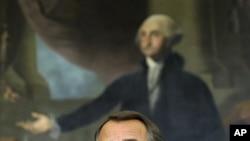 ປະທານສະພາຕໍ່າສະຫະລັດ ທ່ານ John Boehner ພວມຖະແຫຼງຂ່າວ ທີ່ຫໍລັດຖະສະພາສະຫະລັດ ໃນກຸງວໍຊິງຕັນ (20 ທັນວາ 2011)