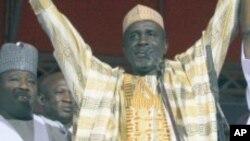 Ibrahim Shekarau tsohon gwamnan jihar Kano wanda ya canza sheka zuwa PDP