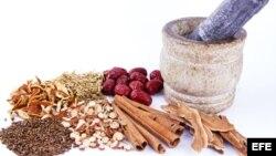 در شماری از کشورهای جهان حدود ۸۰ درصد جمعیت از دواهای سنتی گیاهی استفاده میکنند