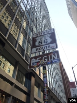 Route 66 sign in Downtown Chicago