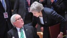 Bà Theresa May đang đối mặt áp lực lớn về thỏa thuận Brexit của bà
