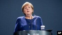 Kanselir Jerman Angela Merkel di Berlin, Jerman, 9 November 2020. (Michael Kappeler/DPA via AP, Pool)