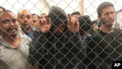 Di dân bất hợp pháp trong trại tập trung ở McAllen, bang Texas, Mỹ.