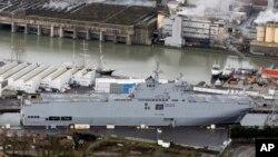 The Vladivostok warship docks in the port of Saint-Nazaire, western France, Dec. 7, 2014.