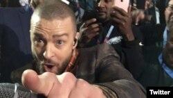 Un selfie de Justin Timberlake en el Super Tazón 2018.