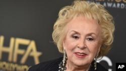 La actriz Doris Roberts falleció a los 90 años en Los Ángeles.