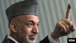 阿富汗現任總統卡爾扎伊(資料圖片)