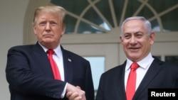 Trump da Netanyahu