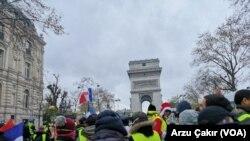 معترضان معروف به «جلیقه زردها» خواستار استعفای امانوئل ماکرون، رئیس جمهور فرانسه هستند.