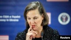 Trợ lý Ngoại trưởng Mỹ Victoria Nuland tham dự một cuộc họp báo tại Đại sứ quán Mỹ ở Kiev, 7/2/2014