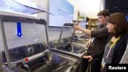 Samsungove veš mašine prikazane na Sajmu elektronike u Las Vegasu.