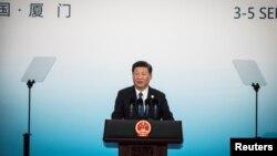 시진핑 중국 국가주석이 5일 푸젠성 샤먼에서 진행된 '브릭스(BRICS)' 정상회의 결산회견에서 발언하고 있다.