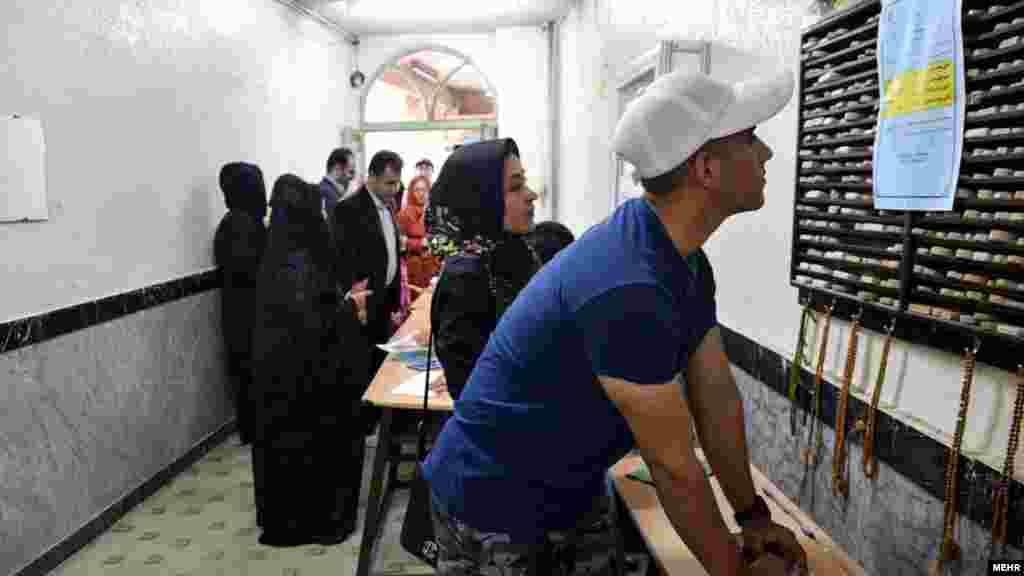 انتخابات دور دوم مجلس شورای اسلامی، استان تهران اردیبهشت ۱۳۹۵